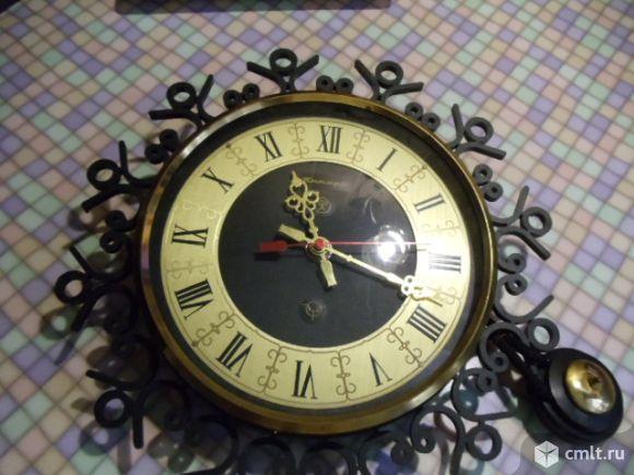 Продаю часы настенные