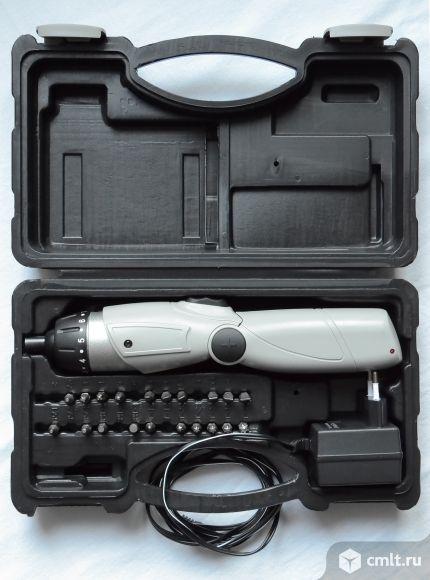 Отвертка аккумуляторная Интерскол ОА-4,8 в новом состоянии