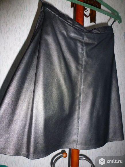 Продаю кожаную юбку, жилетку