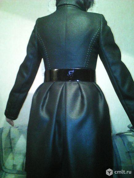 Пальто продаётся
