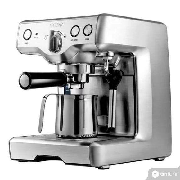 Продается рожковая кофеварка bork C800