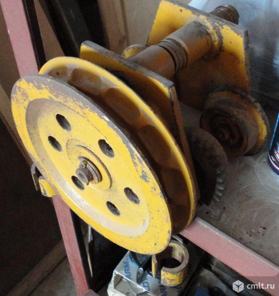 Механизм (каретка) передвижения ручной тали с ручным приводом.