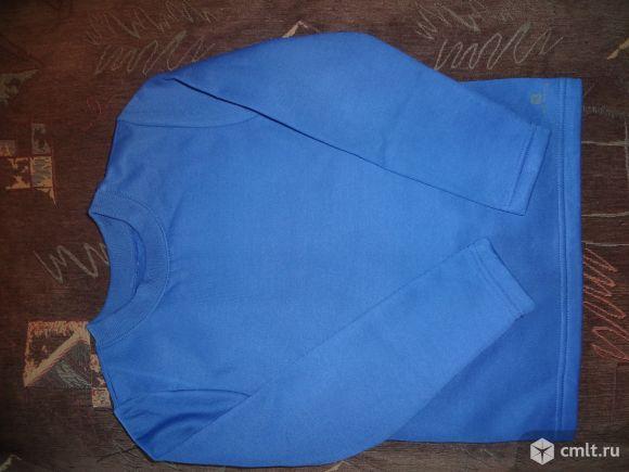 Продам новую толстовку для мальчика. Общая длина - 49 см, длина рукава - 47 см.