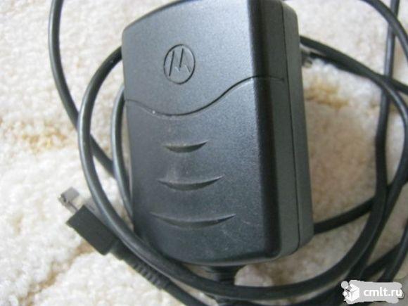 продам оригинальные наушники и зарядное устройство для телефона LG,Моторола все новое в отличном состоянии , продаю так как потеряла телефон