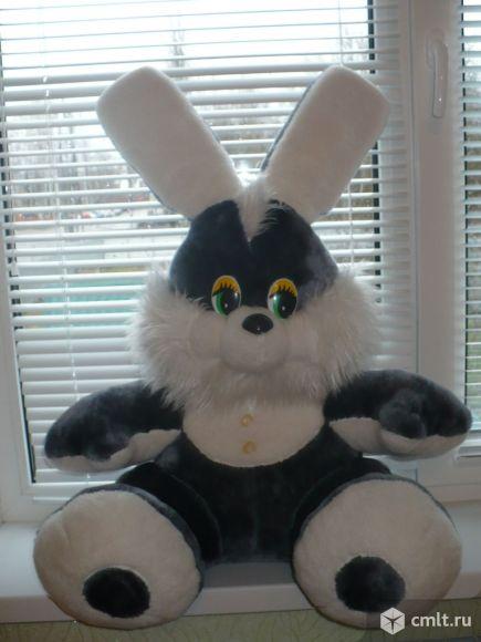 Большой мягкий заяц. Фото 1.