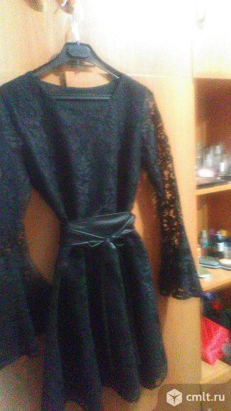 Классное платье из гипюра отличного качества. Фото 1.