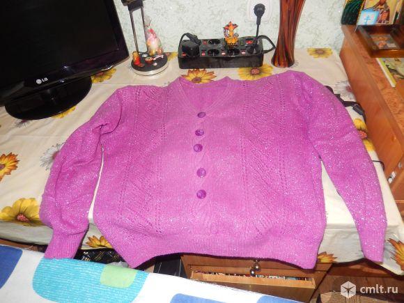 Продаётся женская кофта с рюлексом сиренево-розовая.