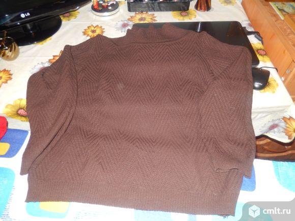Продаётся коричневый свитер.