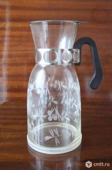 Стеклянная ваза с крышкой. Фото 1.