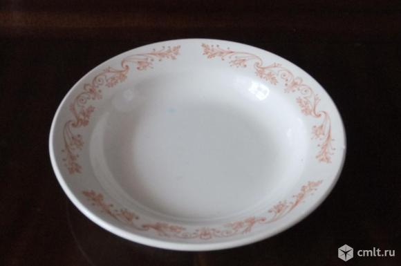 Тарелки столовые. Фото 1.