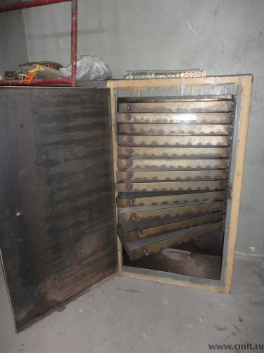 Тумбочка под инструмент 1300*600*300-2шт. с выдвижными полками в колличестве 12шт.. Фото 1.