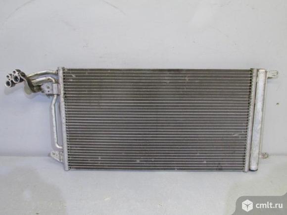 Радиатор кондиционера SKODA FABIA 11- RAPID 13- б/у 6R0820411T 4*. Фото 1.