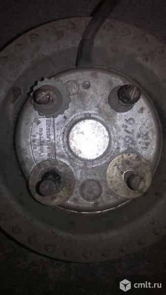 Электродвигатель с вентилятором для нагнетателя улитка. Фото 2.