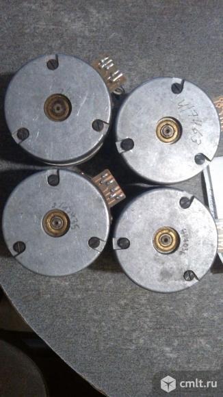 Шаговый двигатель. Фото 2.