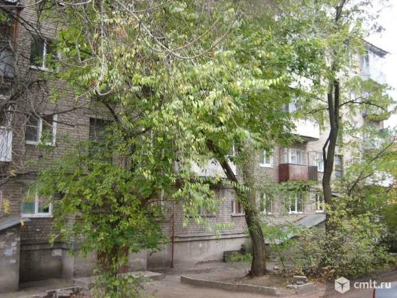 Продаю квартиру Коммунаров ул
