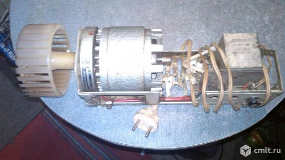 Электро двигатель MEZ NACHOD MOT1 VD222. Фото 1.