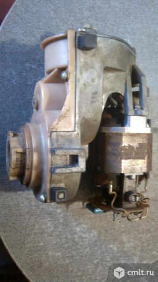 Электро двигатель с редуктором для мясорубки.. Фото 1.