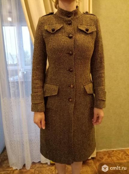 Пальто женское шерстянное в отличном состоянии