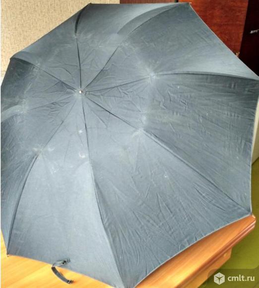Зонт черный. Фото 1.