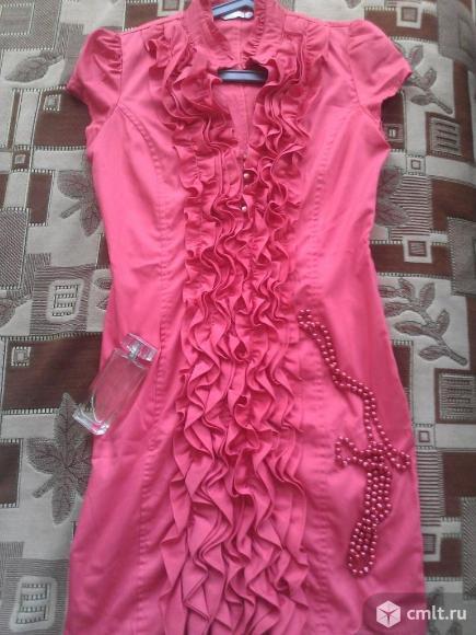 Продам два шикарных платья. Фото 1.