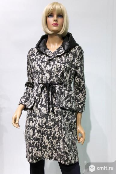Модное трикотажное пальто COCOMORE