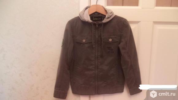 Лёгкая куртка на подкладке для мальчика 9-10 лет