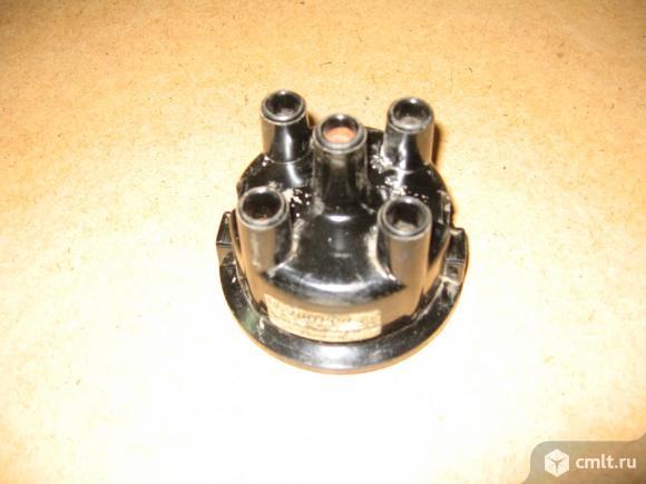 Крышка прерывателя-распределителядля двигателя умз 1500. Фото 1.