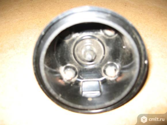 Крышка прерывателя-распределителядля двигателя умз 1500. Фото 2.