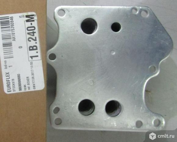 Радиатор охлаждения теплообменник масло/антифриз PEUGEOT BOXER 06-. Фото 1.