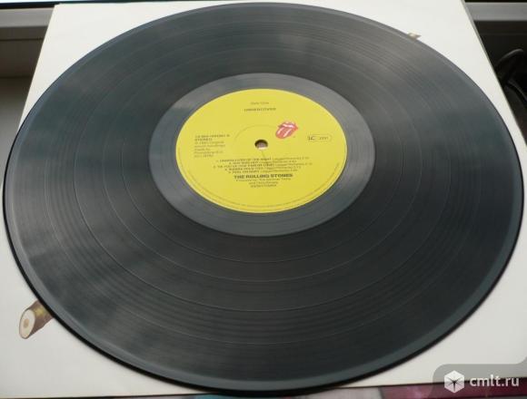 "Грампластинка (винил). Гигант [12"" LP]. The Rolling Stones. Undercover. 1983. 064 1654361. Holland.. Фото 8."