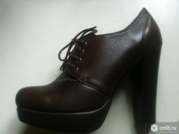 Туфли практически новые из натуральной кожи. Фото 1.
