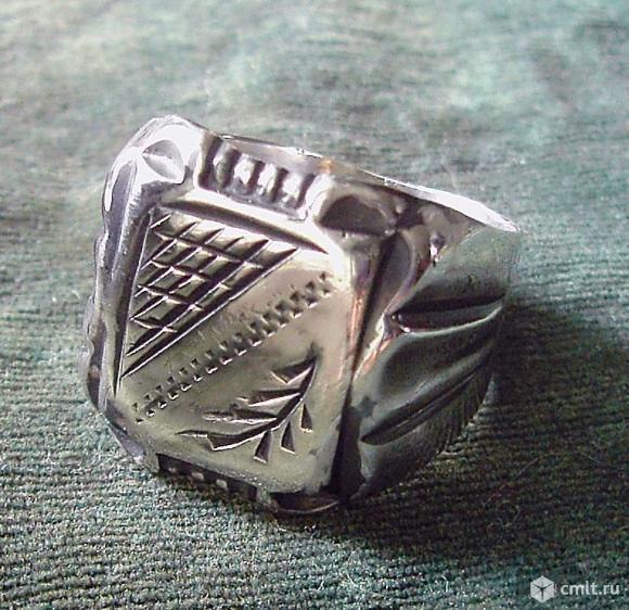 Серебряная мужская печатка. Фото 1.