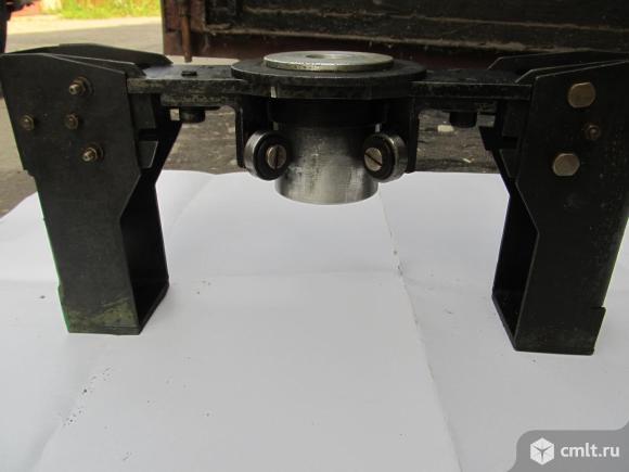 Устройство для определения деформаций материалов