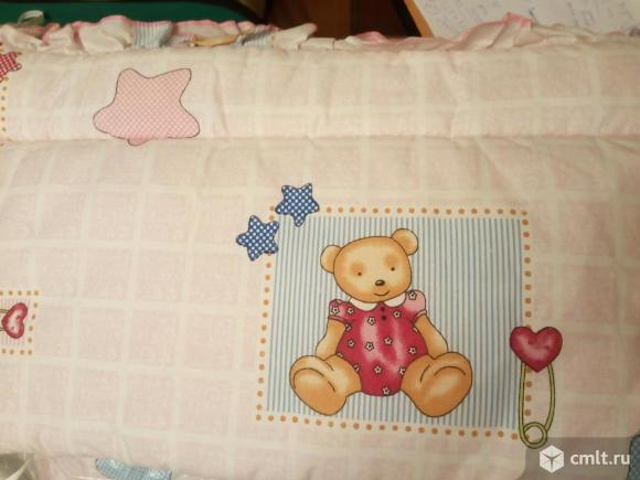 Продам бортики в кроватку +постельное белье