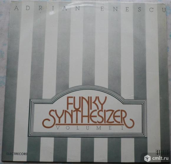 "Грампластинка (винил). Гигант [12"" LP]. Adrian Enescu. Funky Synthesizer Volume 1. 1982. Румыния.. Фото 1."