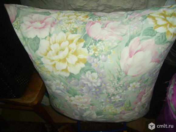 Продаю подушку перьевую, размер 90х90