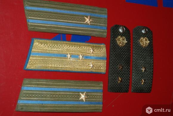 Знаки отличия военных СА. Фото 3.