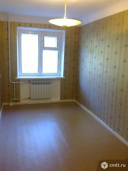 2-комнатная квартира 44 кв.м в Центральном р-не, тихая зеленая улица. Рядом: рынок, магазины, банки