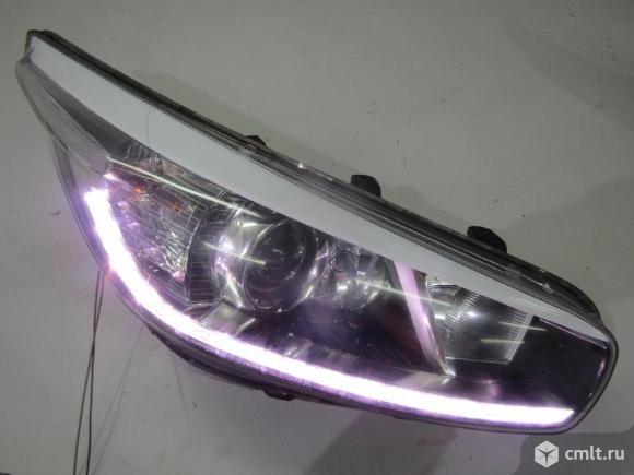 Фара правая LED KIA CEED 12-15 б/у 92102A2220 4.5* -  исправная дхо. Фото 1.