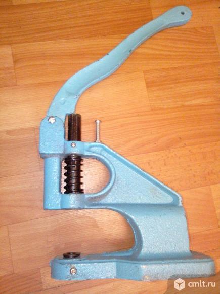Пресс для швейной фурнитуры
