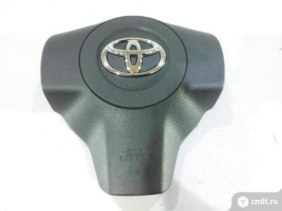 Крышка подушки безопасности руля накладка AIRBAG TOYOTA RAV4 06-10 новая 4513042100B0 451120R010 5*. Фото 1.