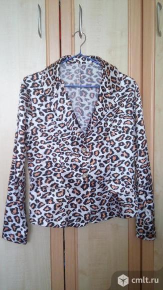 Стильный леопардовый жакет