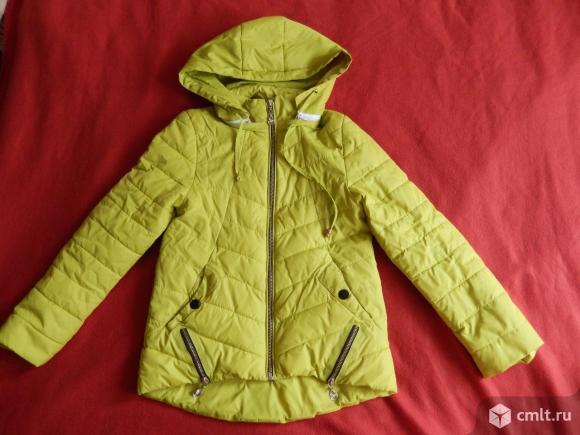 Куртка осенняя жёлто-зелёная, на 8-10 лет.