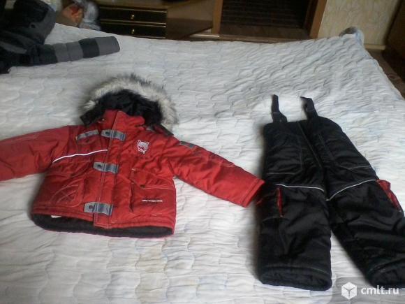 Продам детскую куртку