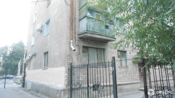 Продаю квартиру под нежилое  20-летия Октября ул