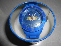 Новые наручные часы кварцевые в подарочной упаковке