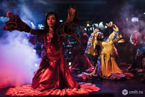 Бэк-вокалисты-танцовщики. Фото 1.