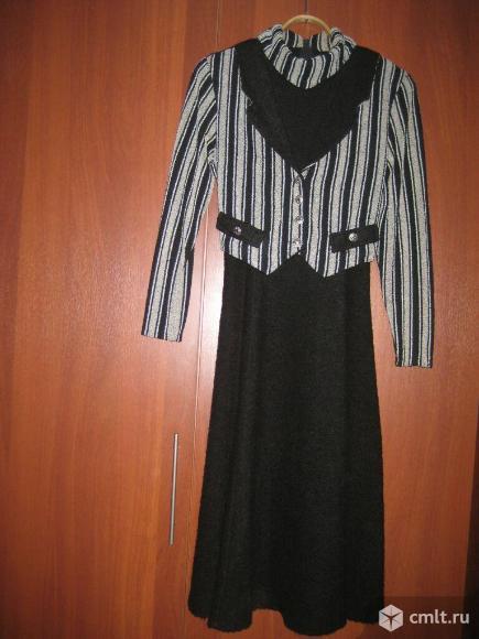 Женское платье из букле
