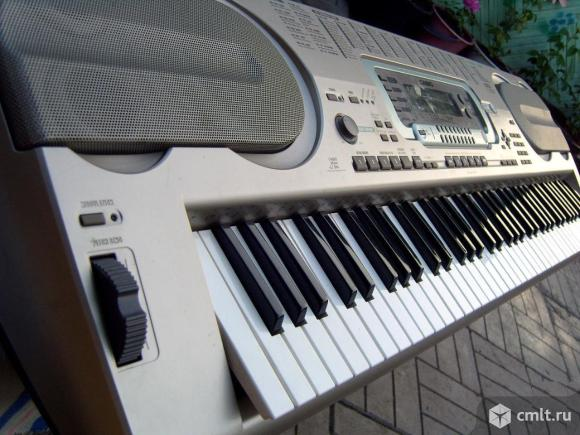 Синтезатор Casio WK 3000 (76 активных клавиш)