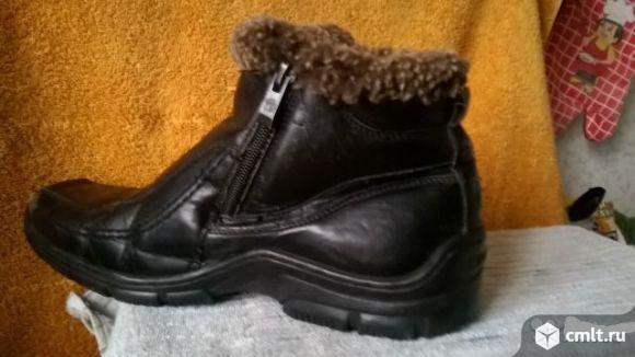 продам ботинки зимние для мальчика, размер 38цвет черныйзастегивается с помощью двух замков по бокам
